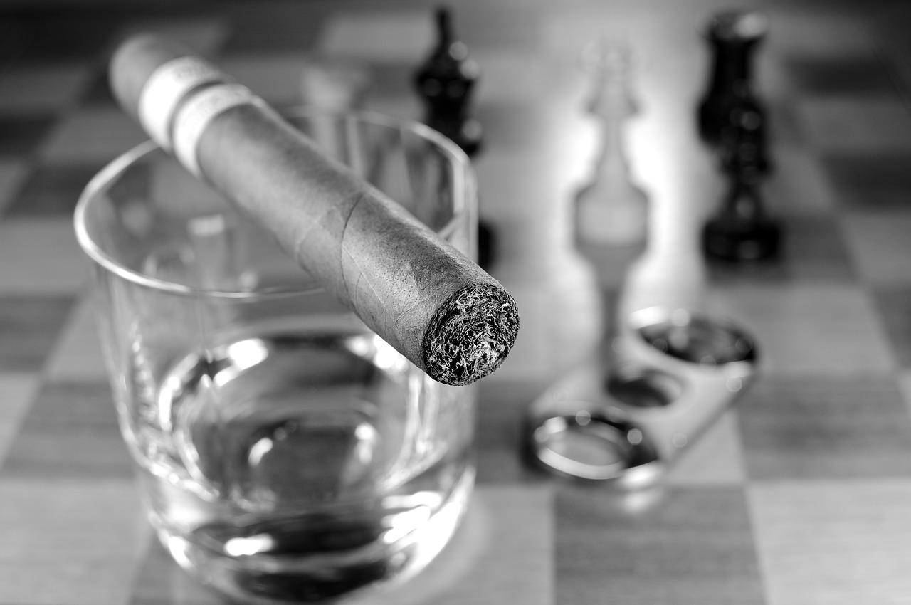 Les accessoires indispensables pour vivre sa passion du cigare